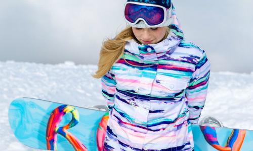 Пестрая расцветка наиболее практична для сноубординга